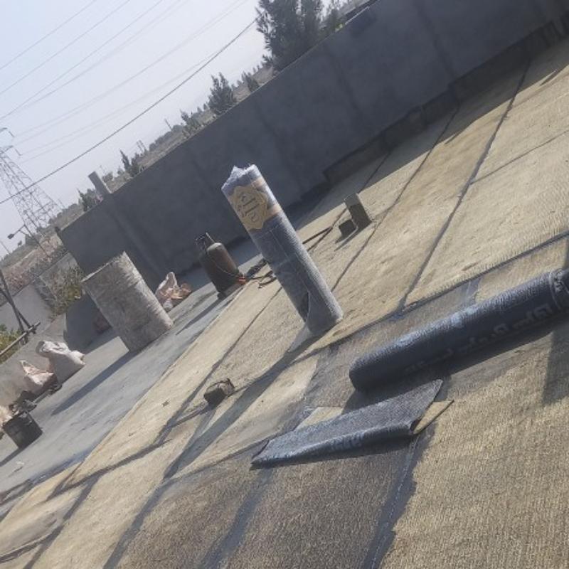 نصب ایزوگام شرق وقیرگونی لکه گیری پشت بام استخر